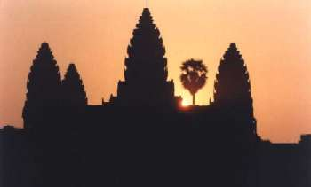Angkor Wat, courtesy: http://perso.club-internet.fr/pchanez/index_eng.html